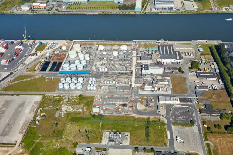 Chemist Gadot knocks on DFDS' door for inland navigation Ghent-Antwerp